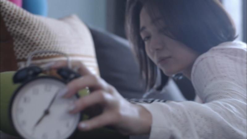 【緑川静香キャプ画像】貧乏女優を売りにしてテレビ出演していた女優の尻アップw 63