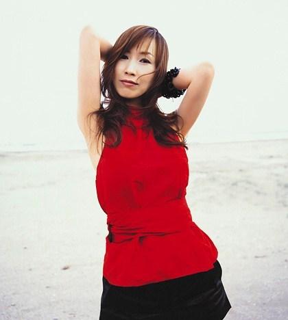 【森口博子お宝画像】ガンダム歌手として人気の歌姫が昔撮ってたセミヌード! 04