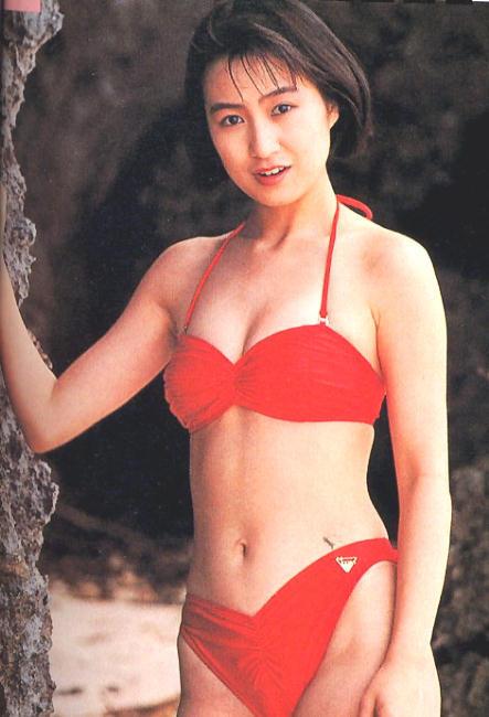 【森口博子お宝画像】ガンダム歌手として人気の歌姫が昔撮ってたセミヌード! 05