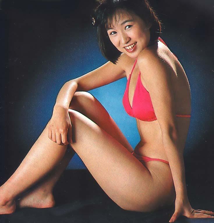 【森口博子お宝画像】ガンダム歌手として人気の歌姫が昔撮ってたセミヌード! 11