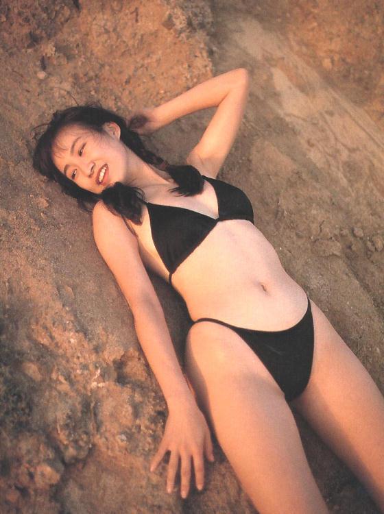 【森口博子お宝画像】ガンダム歌手として人気の歌姫が昔撮ってたセミヌード! 20