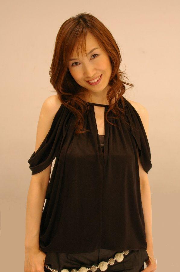 【森口博子お宝画像】ガンダム歌手として人気の歌姫が昔撮ってたセミヌード! 21