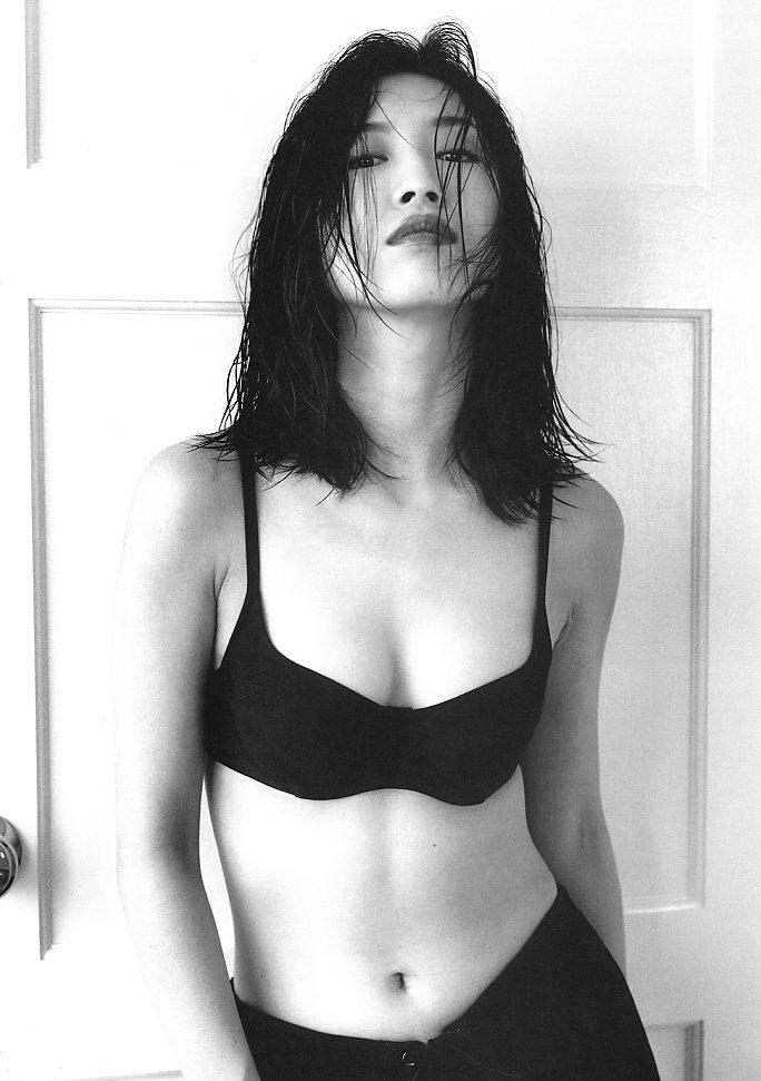 【森口博子お宝画像】ガンダム歌手として人気の歌姫が昔撮ってたセミヌード! 55