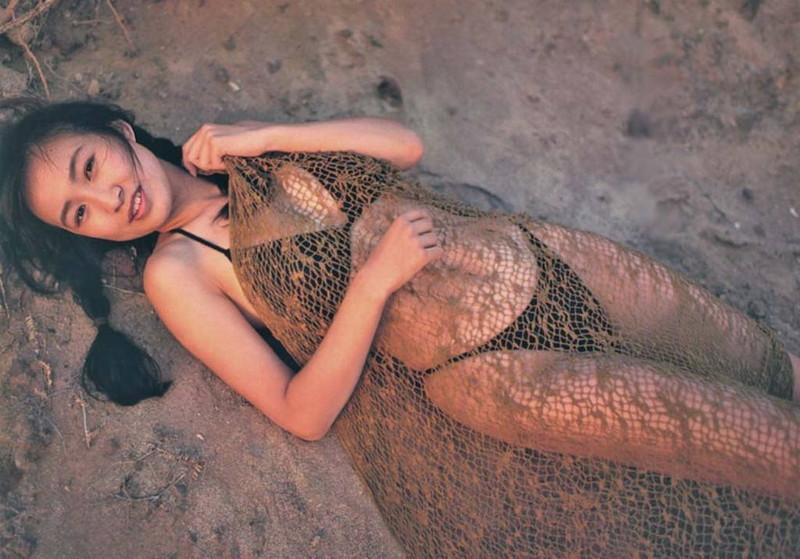 【森口博子お宝画像】ガンダム歌手として人気の歌姫が昔撮ってたセミヌード! 72