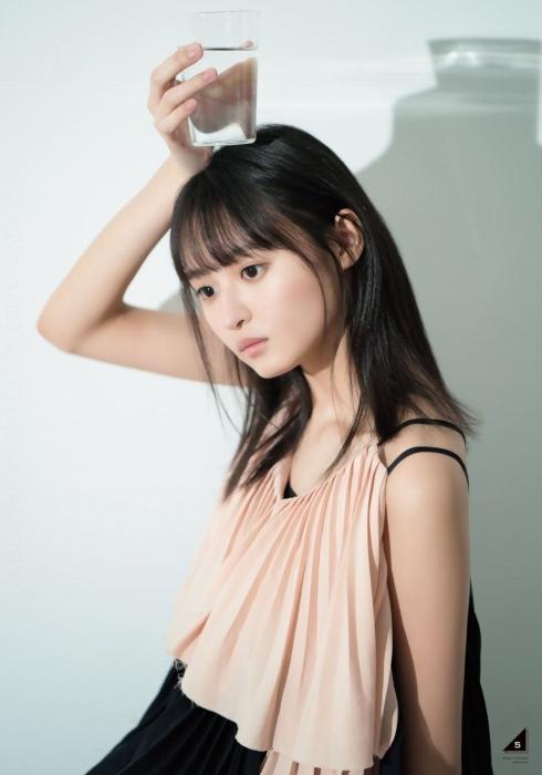 【遠藤さくらキャプ画像】ファッション雑誌の専属モデルに抜擢された乃木坂アイドル 65