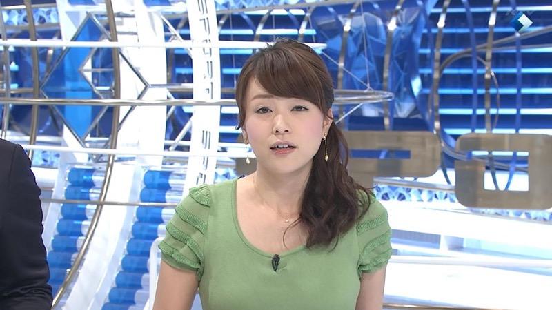 【女子アナハプニング画像】オッパイのラインが出てたりフェラ顔してたりのエロ画像 61