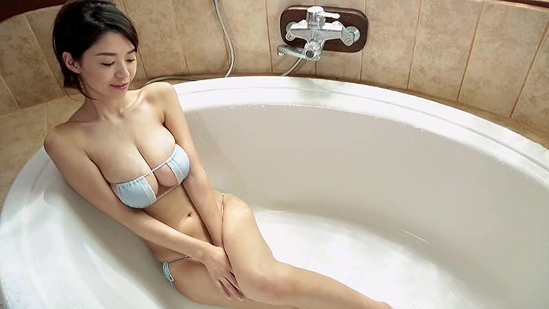 【三浦はづきキャプ画像】はみ出すHカップから繰り出す寄せ乳でパイズリしたい! 34