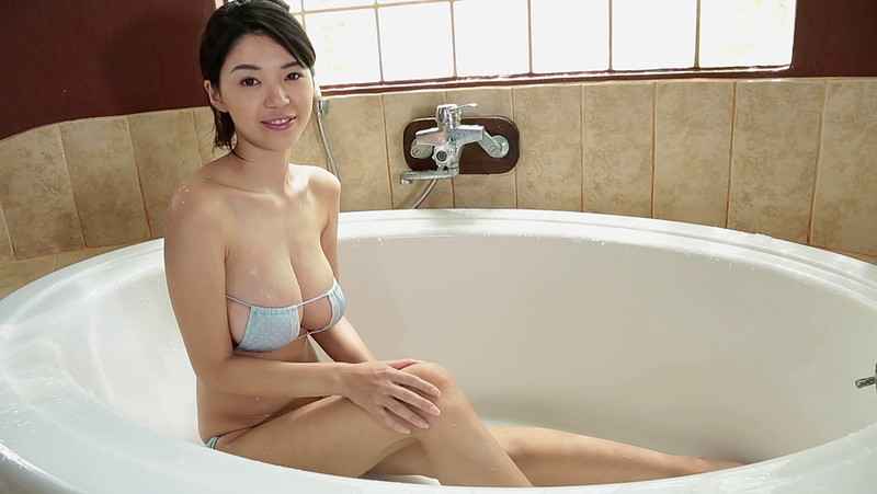 【三浦はづきキャプ画像】はみ出すHカップから繰り出す寄せ乳でパイズリしたい! 37