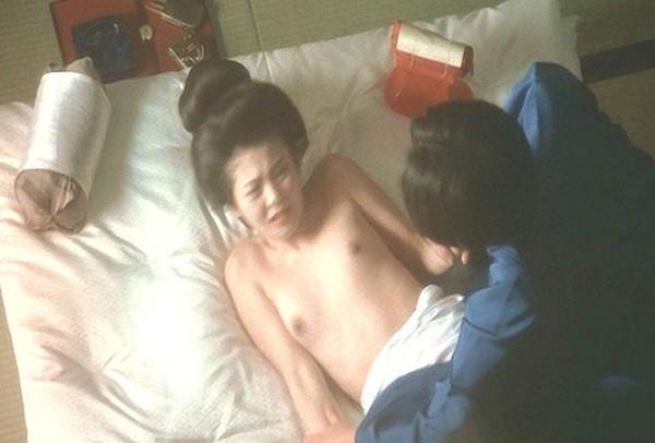 【南野陽子お宝画像】ナンノの艶めかしい濡れ場シーンと懐かしい水着姿!