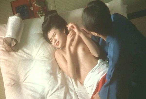 【南野陽子お宝画像】ナンノの艶めかしい濡れ場シーンと懐かしい水着姿! 06