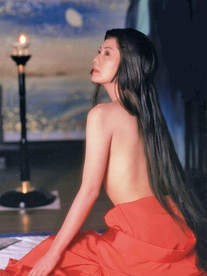 【南野陽子お宝画像】ナンノの艶めかしい濡れ場シーンと懐かしい水着姿! 25