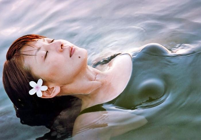 【南野陽子お宝画像】ナンノの艶めかしい濡れ場シーンと懐かしい水着姿! 35