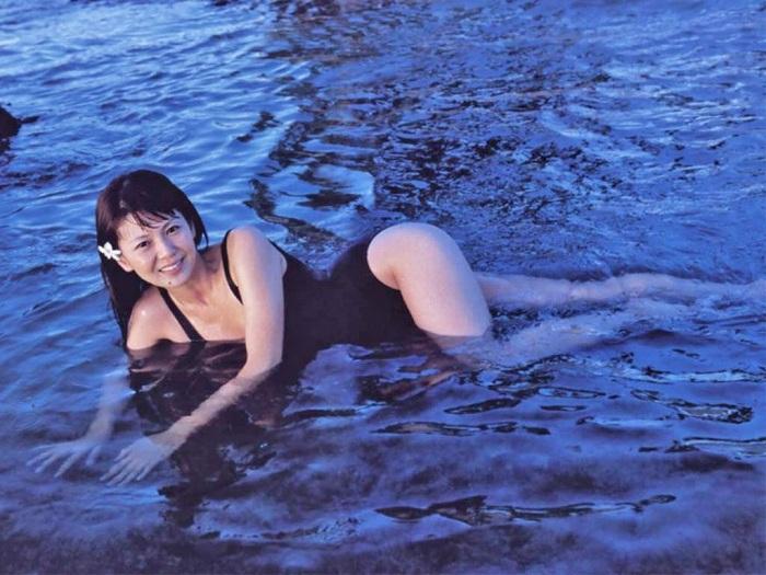 【南野陽子お宝画像】ナンノの艶めかしい濡れ場シーンと懐かしい水着姿! 37