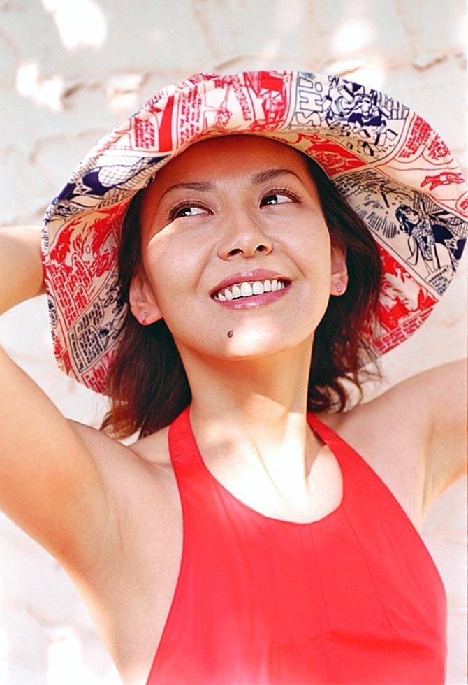【南野陽子お宝画像】ナンノの艶めかしい濡れ場シーンと懐かしい水着姿! 55