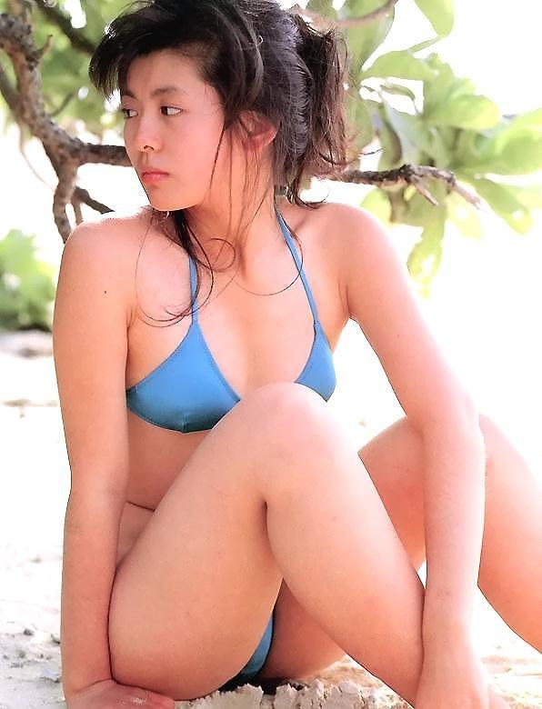 【南野陽子お宝画像】ナンノの艶めかしい濡れ場シーンと懐かしい水着姿! 69