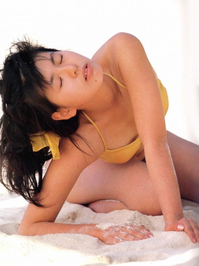 【南野陽子お宝画像】ナンノの艶めかしい濡れ場シーンと懐かしい水着姿! 72