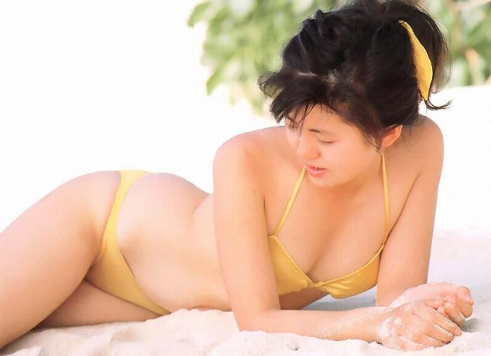 【南野陽子お宝画像】ナンノの艶めかしい濡れ場シーンと懐かしい水着姿! 77