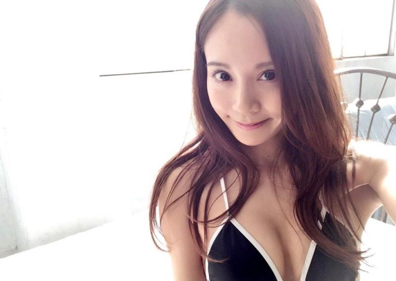 【三城千咲エロ画像】スタイル抜群な美人レースクイーンの現在が気になる! 64