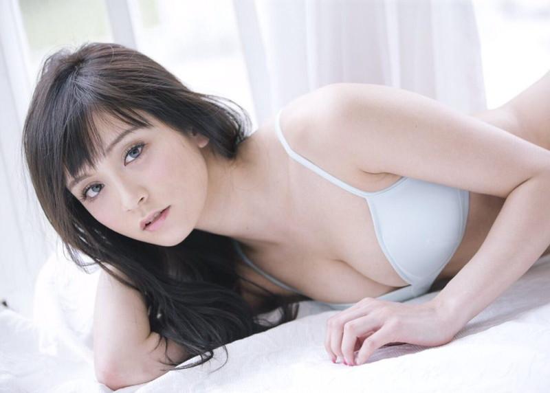 【三城千咲エロ画像】スタイル抜群な美人レースクイーンの現在が気になる! 65