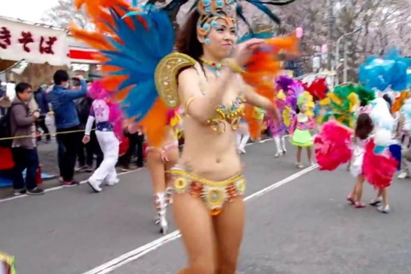 【サンバカーニバルエロ画像】見られたい欲を満たしたくて毎年現れる露出痴女wwww 13
