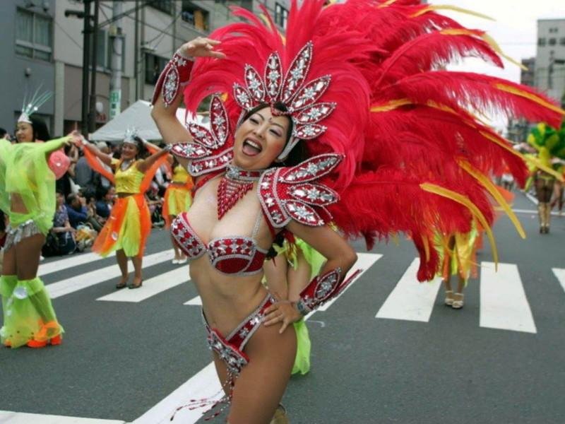 【サンバカーニバルエロ画像】見られたい欲を満たしたくて毎年現れる露出痴女wwww 25