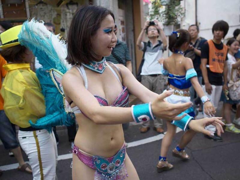 【サンバカーニバルエロ画像】見られたい欲を満たしたくて毎年現れる露出痴女wwww 32