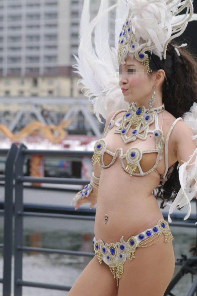 【サンバカーニバルエロ画像】見られたい欲を満たしたくて毎年現れる露出痴女wwww 45