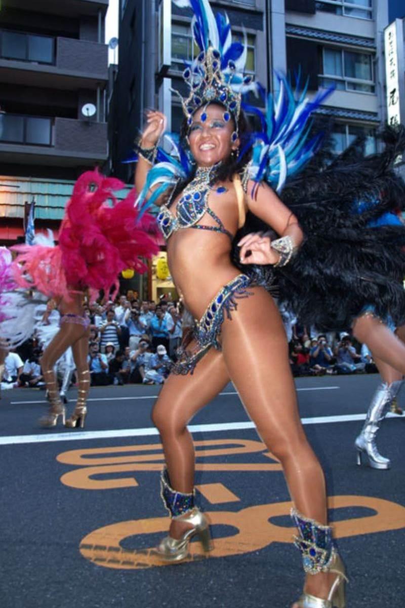 【サンバカーニバルエロ画像】見られたい欲を満たしたくて毎年現れる露出痴女wwww 56