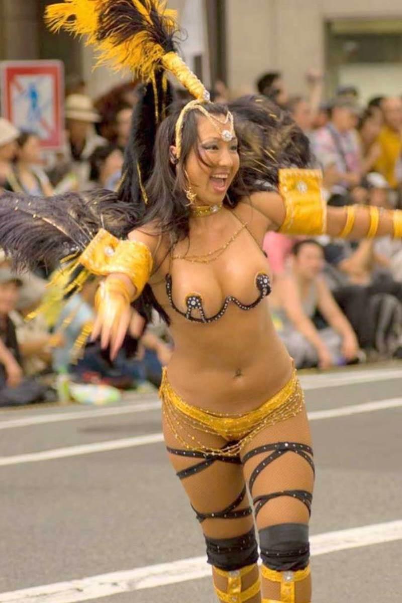 【サンバカーニバルエロ画像】見られたい欲を満たしたくて毎年現れる露出痴女wwww 58