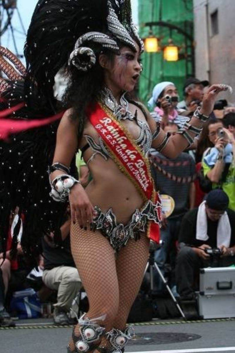 【サンバカーニバルエロ画像】見られたい欲を満たしたくて毎年現れる露出痴女wwww 62