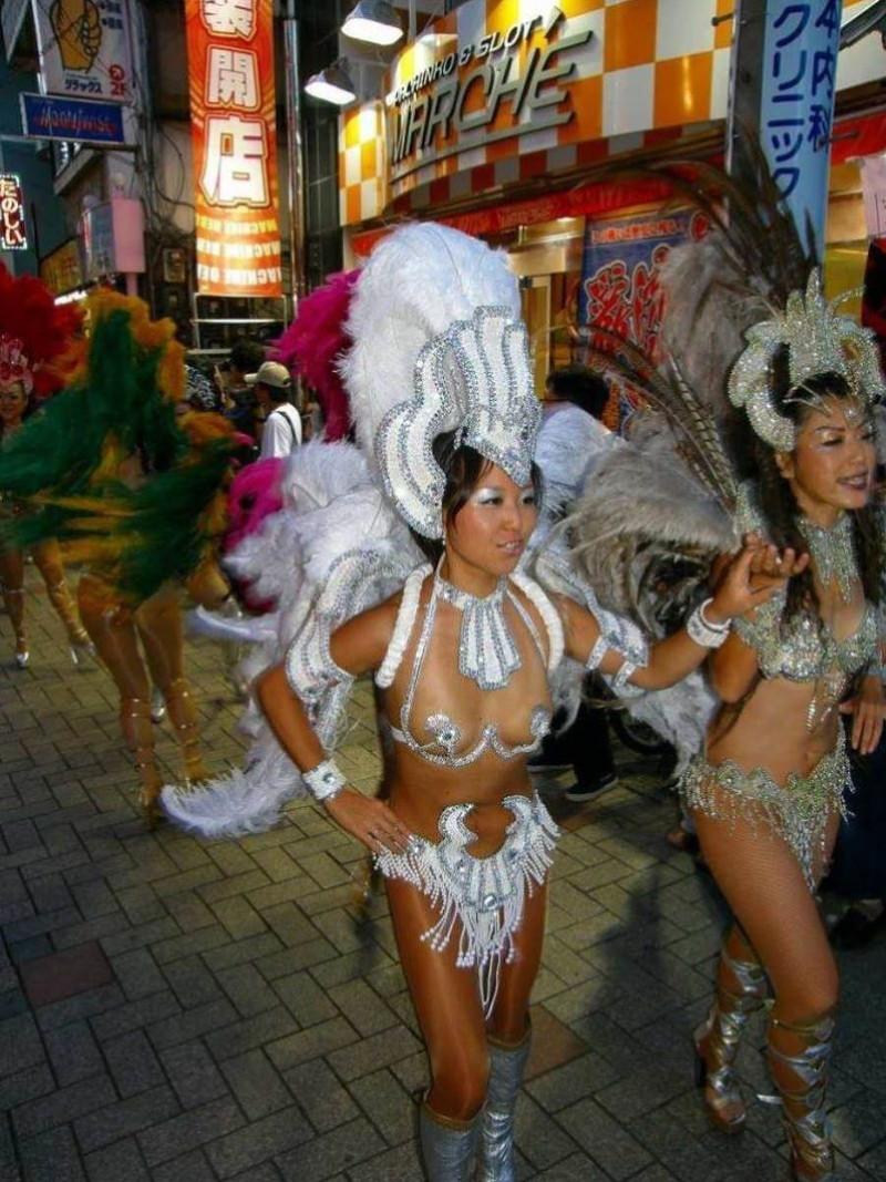 【サンバカーニバルエロ画像】見られたい欲を満たしたくて毎年現れる露出痴女wwww 76