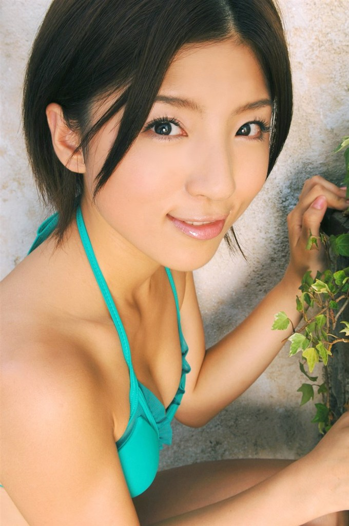 【松井絵里奈グラビア画像】真っ赤な紐ビキニが似合っててエロいスレンダーギャル 52