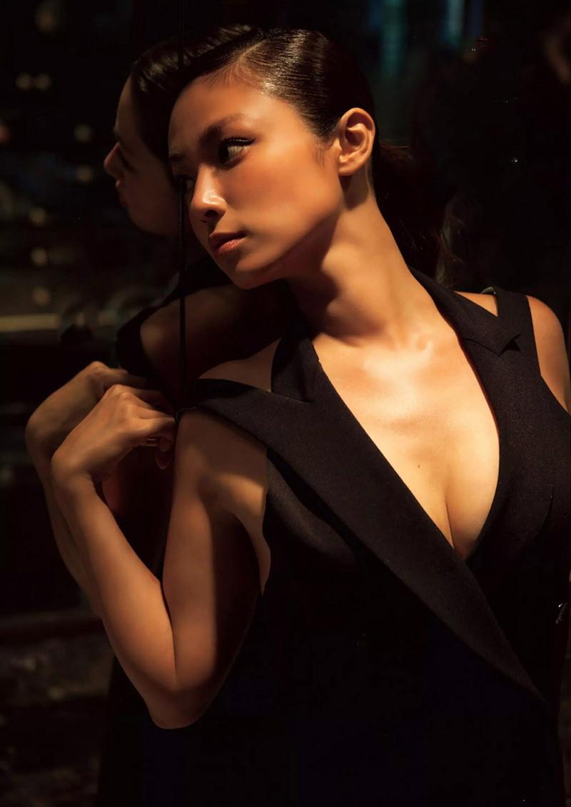 【深田恭子お宝画像】アラフォー近いのに熟女と言いにくい美貌を持ってるよねw 06