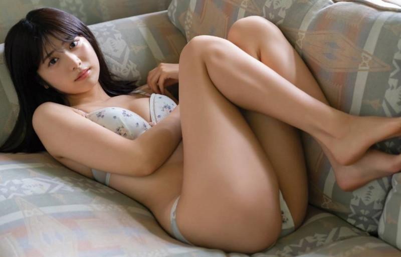 【吉田莉桜グラビア画像】アイドルみたいに激かわな美少女モデルのエッチな姿! 08