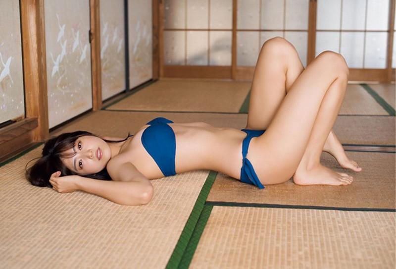 【吉田莉桜グラビア画像】アイドルみたいに激かわな美少女モデルのエッチな姿! 12