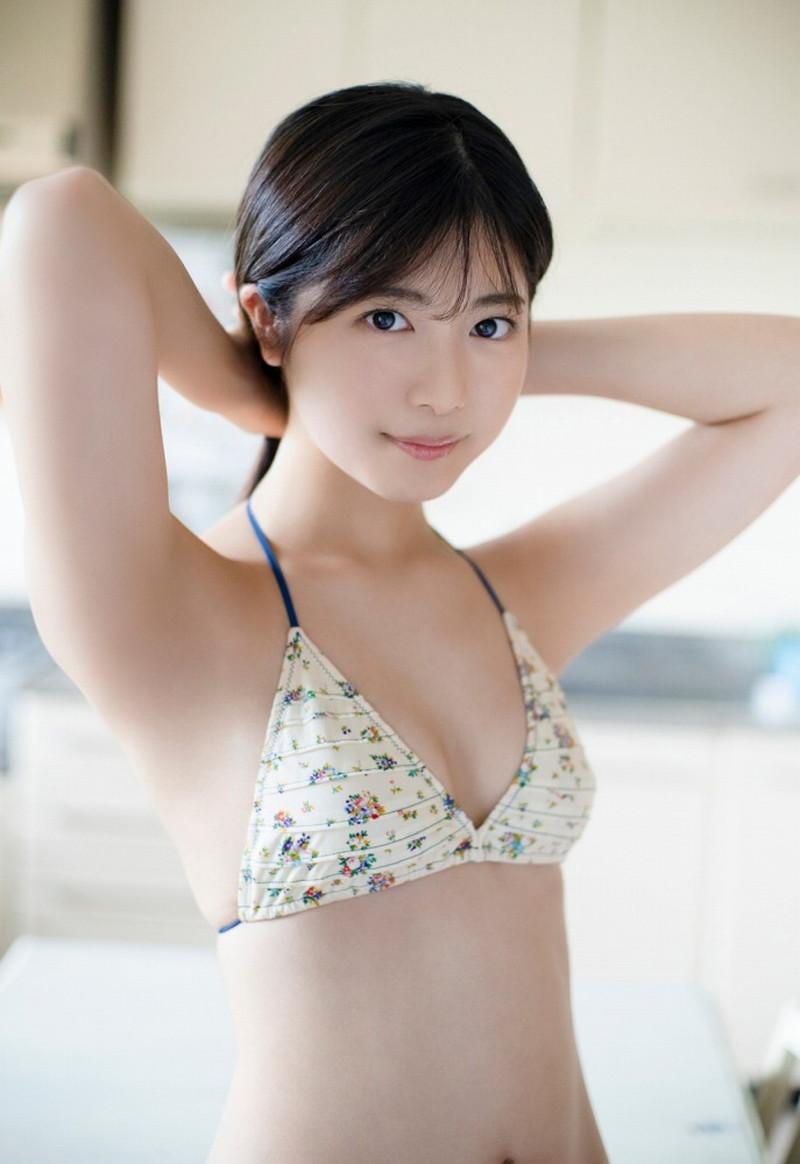 【吉田莉桜グラビア画像】アイドルみたいに激かわな美少女モデルのエッチな姿! 47