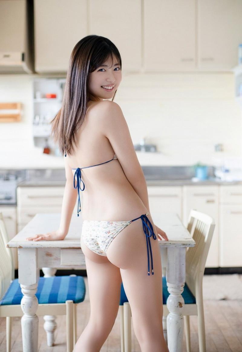 【吉田莉桜グラビア画像】アイドルみたいに激かわな美少女モデルのエッチな姿! 48