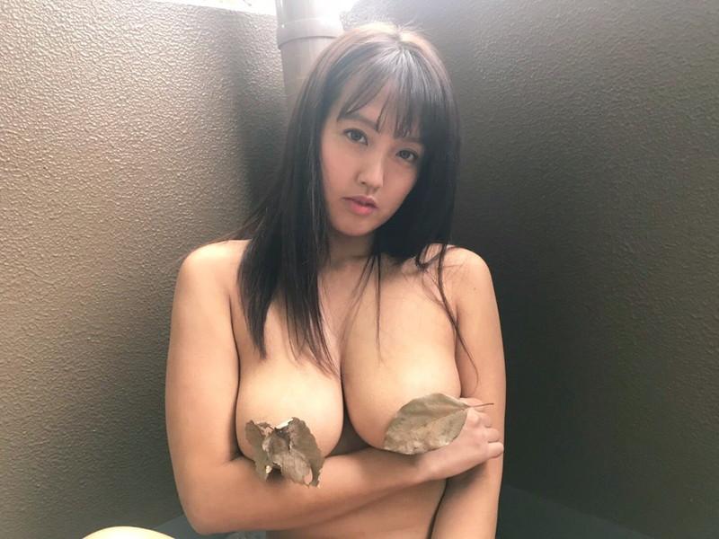 【日里麻美エロ画像】毎朝Gカップ巨乳を見せつける動画を撮ってる痴女グラドル