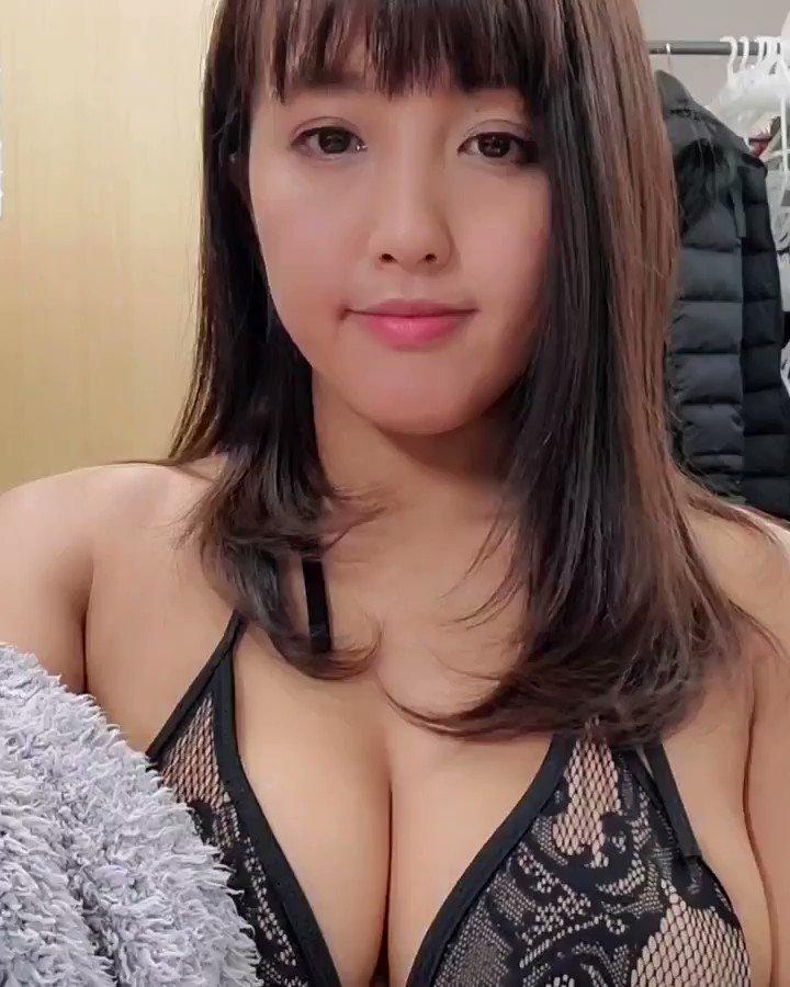 【日里麻美エロ画像】毎朝Gカップ巨乳を見せつける動画を撮ってる痴女グラドル 28
