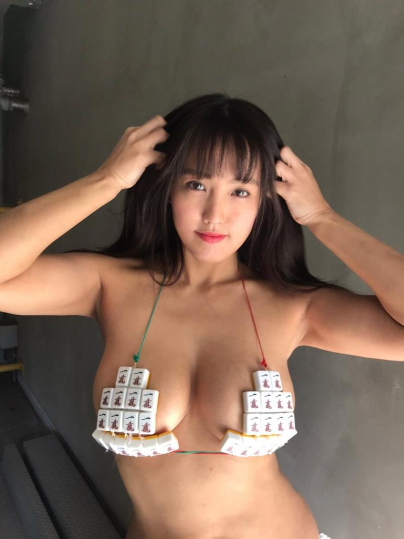 【日里麻美エロ画像】毎朝Gカップ巨乳を見せつける動画を撮ってる痴女グラドル 67