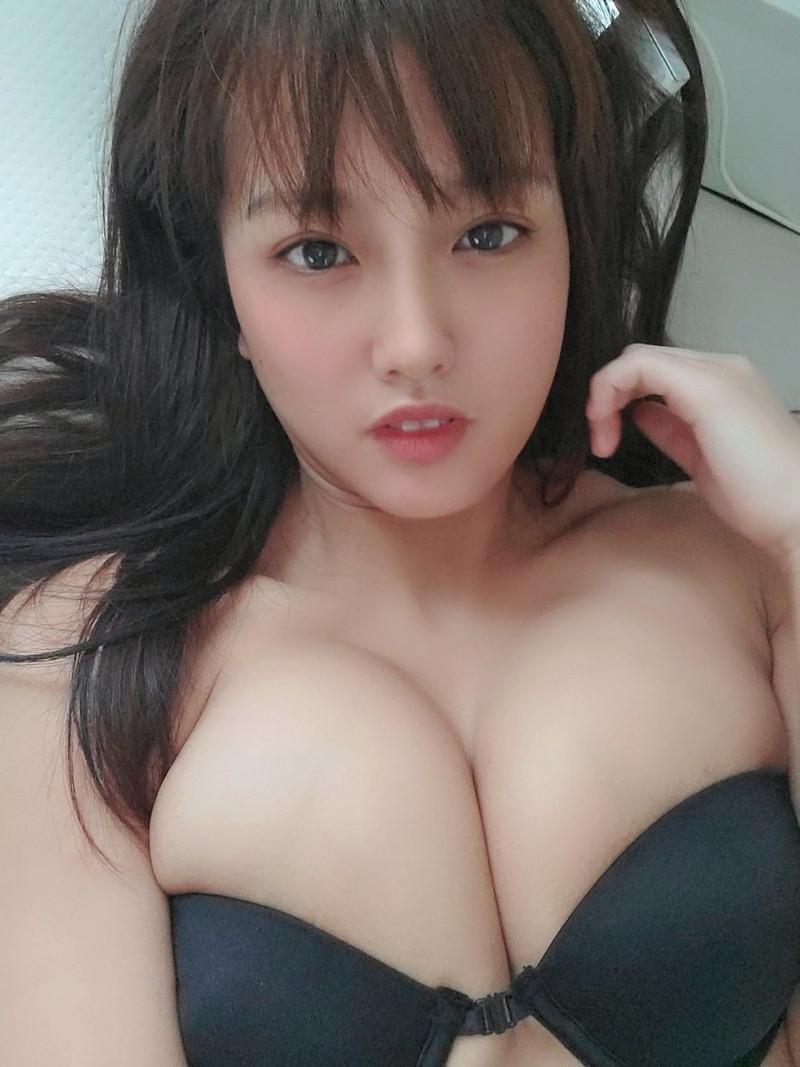 【日里麻美エロ画像】毎朝Gカップ巨乳を見せつける動画を撮ってる痴女グラドル 69