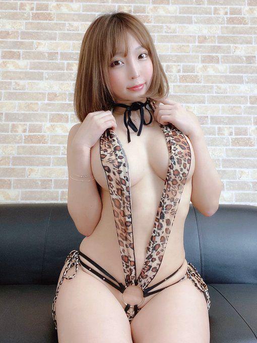 【まいてぃグラビア画像】綺麗でエロい巨尻をSNSで見せびらかしてる変態娘w 03