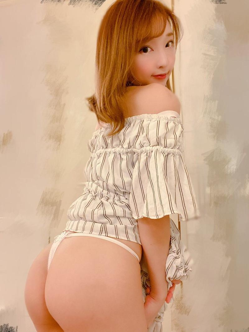 【まいてぃグラビア画像】綺麗でエロい巨尻をSNSで見せびらかしてる変態娘w 80
