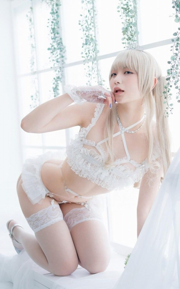 【あまつまりなグラビア画像】改名しても変わらずセクシーな姿を魅せてくれる2.5次元美女 19