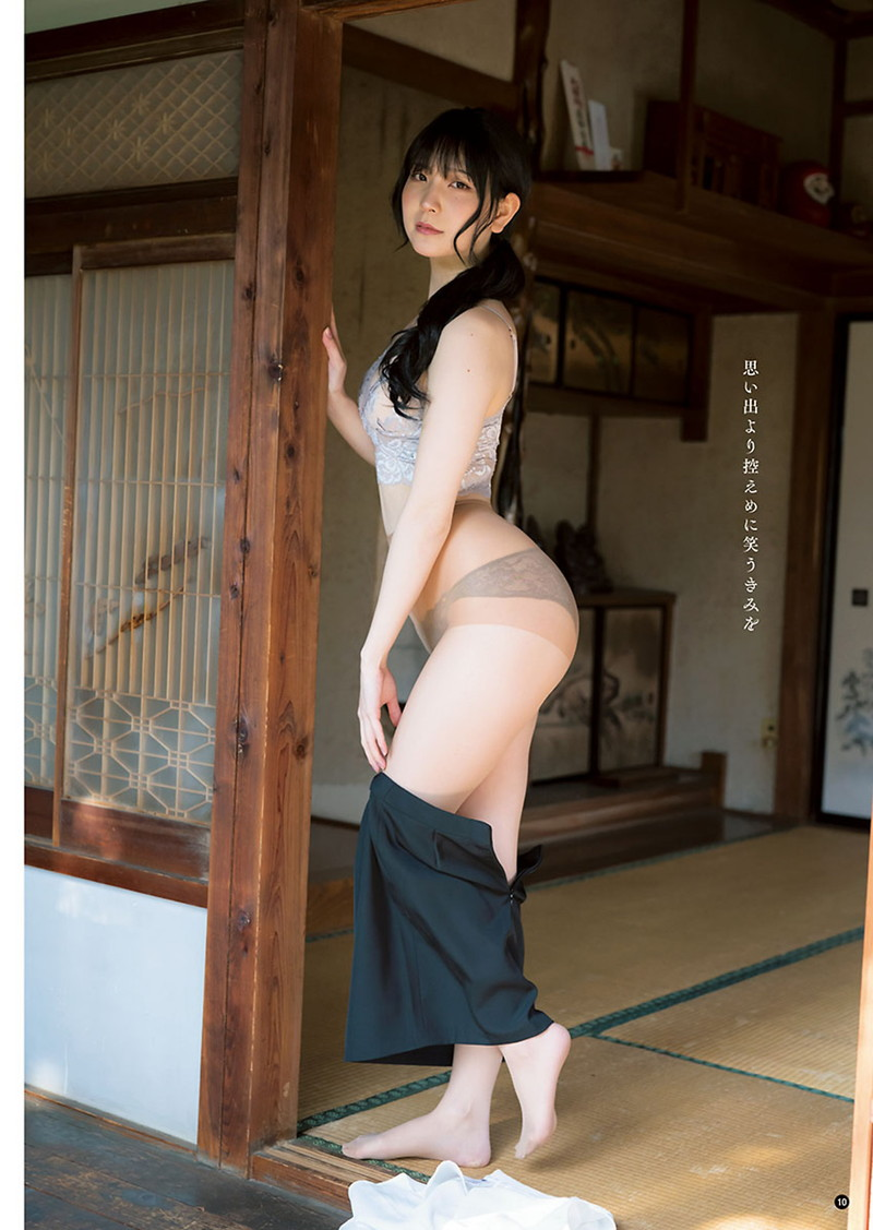 【あまつまりなグラビア画像】改名しても変わらずセクシーな姿を魅せてくれる2.5次元美女 47