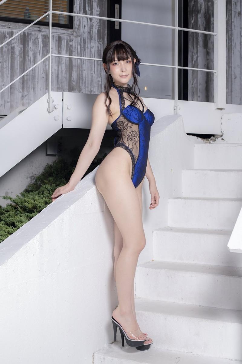 【あまつまりなグラビア画像】改名しても変わらずセクシーな姿を魅せてくれる2.5次元美女 57