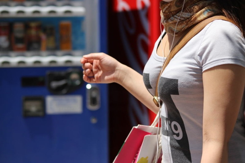 【素人エロ画像】意図せず男性の股間をふっくらさせてしまうパイスラ女子