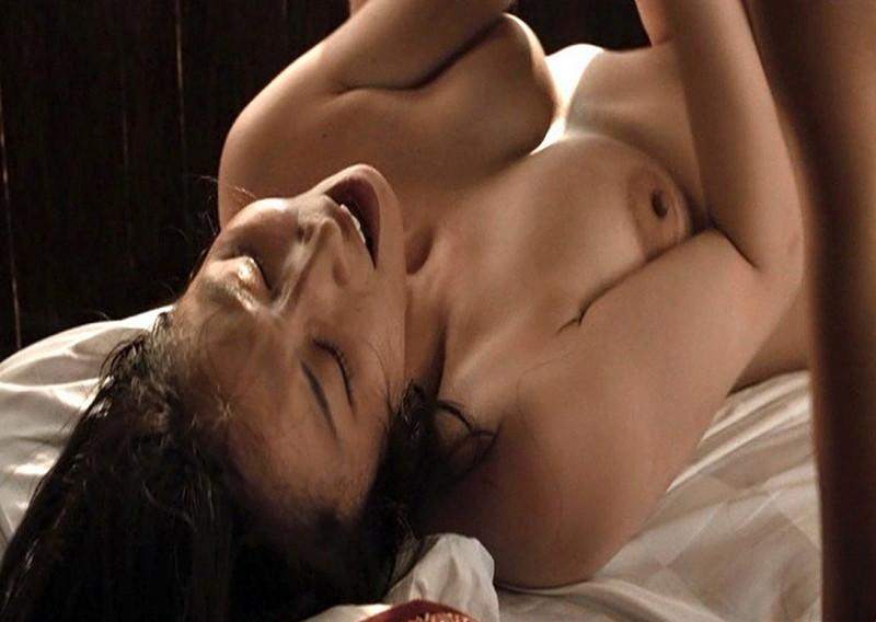 【三津谷葉子濡れ場画像】スタバ面接に合格してたら今頃一般人だったベテラン女優
