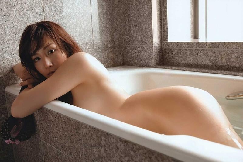 【三津谷葉子濡れ場画像】スタバ面接に合格してたら今頃一般人だったベテラン女優 78