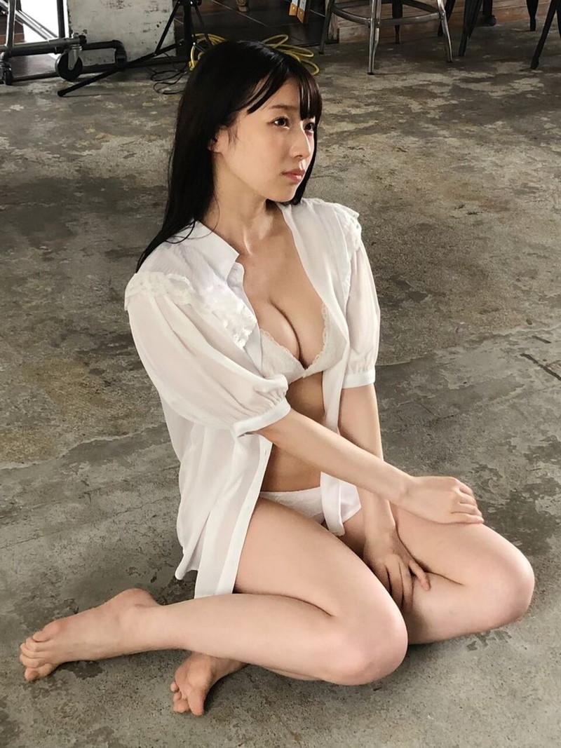 【NMB48エロ画像】グループアイドルって下着姿で絡ませられるのがメリットだよねw 51